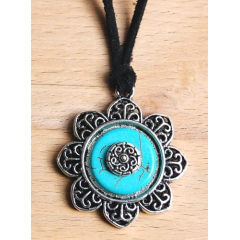 Collier Pendentif Fleur Turquoise Concho Country Western